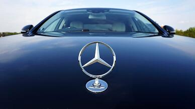 close-up-photo-of-mercedes-benz-car-emblem